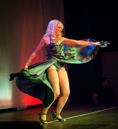 Goldie Candela performs (Photo: David Weaver)