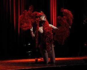 Headliner Cardinal Cyn Performs